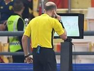 HLV trưởng U23 Iraq trách trọng tài xem VAR quá nhanh rồi ra quyết định có lợi cho Thái Lan