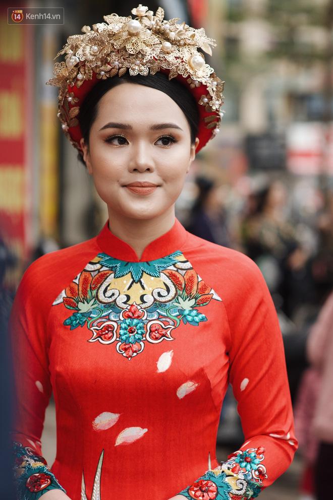 Ái nữ cựu chủ tịch CLB Sài Gòn - Quỳnh Anh xuất hiện xinh xắn trong đám hỏi thu hút sự chú ý khắp phố Xã Đàn-5