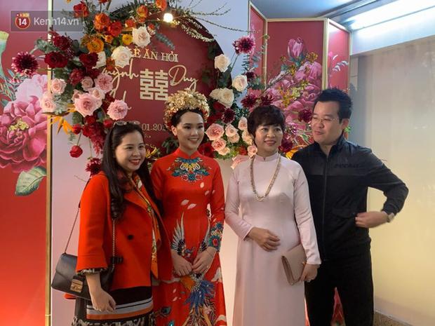 Ái nữ cựu chủ tịch CLB Sài Gòn - Quỳnh Anh xuất hiện xinh xắn trong đám hỏi thu hút sự chú ý khắp phố Xã Đàn-12