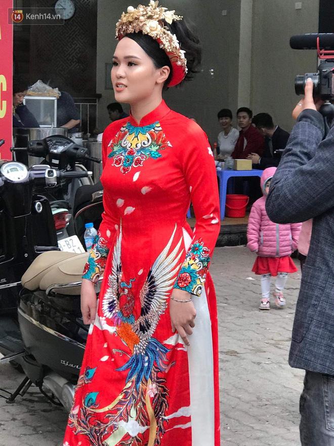 Ái nữ cựu chủ tịch CLB Sài Gòn - Quỳnh Anh xuất hiện xinh xắn trong đám hỏi thu hút sự chú ý khắp phố Xã Đàn-2