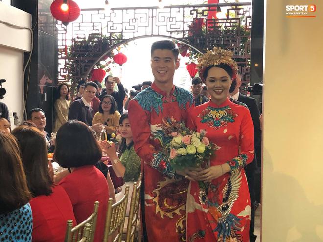 Vừa làm lễ ăn hỏi, Duy Mạnh sẽ phải chia xa Quỳnh Anh để đến Malaysia thi đấu-1