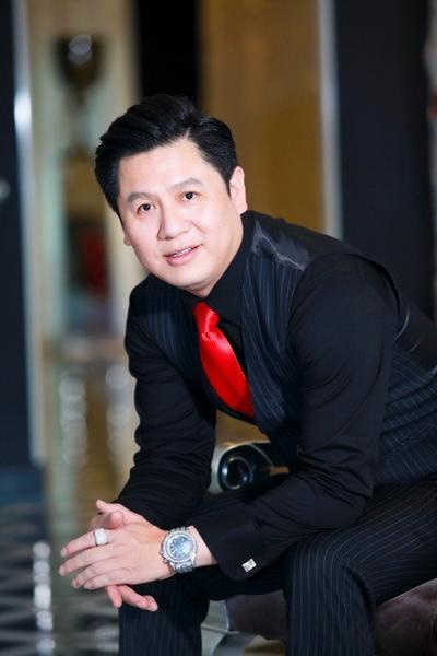 Thêm ảnh hiếm của ông xã Phạm Hương: Doanh nhân thành đạt, ông bố đơn thân chuẩn mực-3