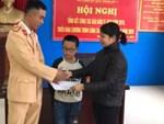 Hà Nội: Ô tô chở học sinh va chạm với tàu hỏa, 2 cháu nhỏ nhập viện-3