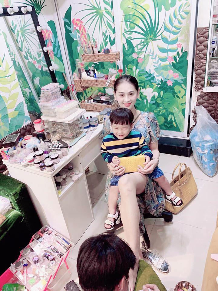 Nhìn cách nuôi dạy con của Lâm Khánh Chi, công chúng đồng tình khen đây chính là một người mẹ thực thụ-4