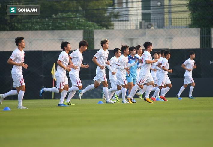 U23 Việt Nam nhận hung tin, nguy cơ mất trụ cột ở hàng thủ khi quyết đấu U23 Triều Tiên-4