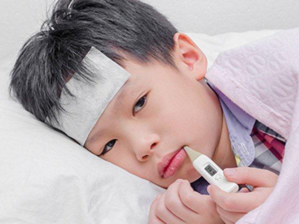 Bà mẹ chia sẻ khoảnh khắc đáng sợ khi cậu con trai lên cơn động kinh vì bị nhiễm virus cúm A-1