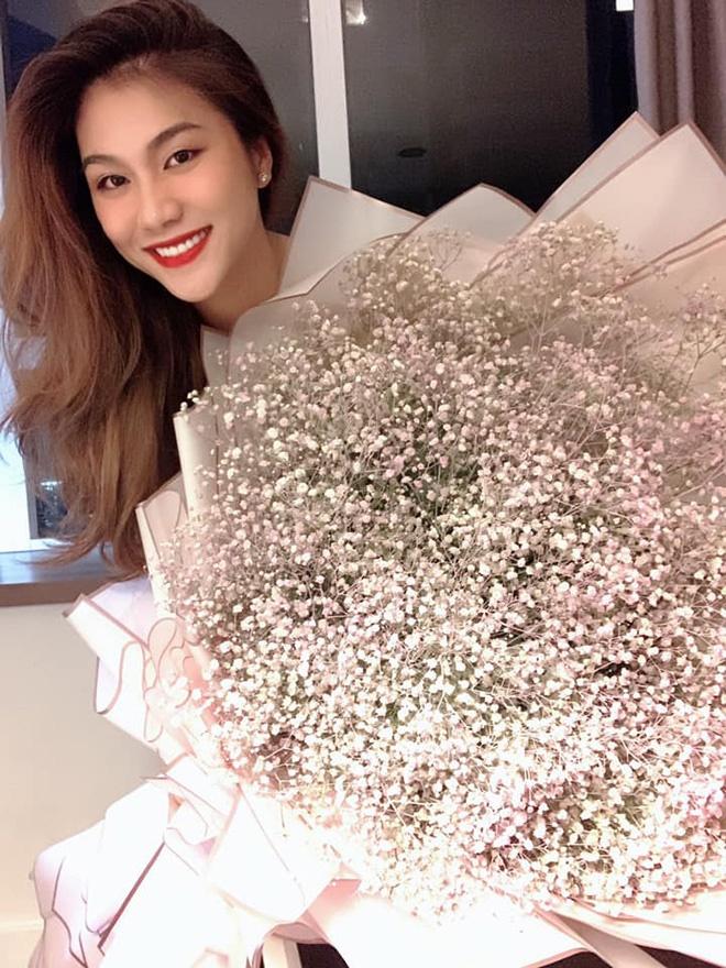 Cựu siêu mẫu âm thầm đính hôn với đại gia, sống kín tiếng nhất nhì showbiz Việt giờ ra sao?-7