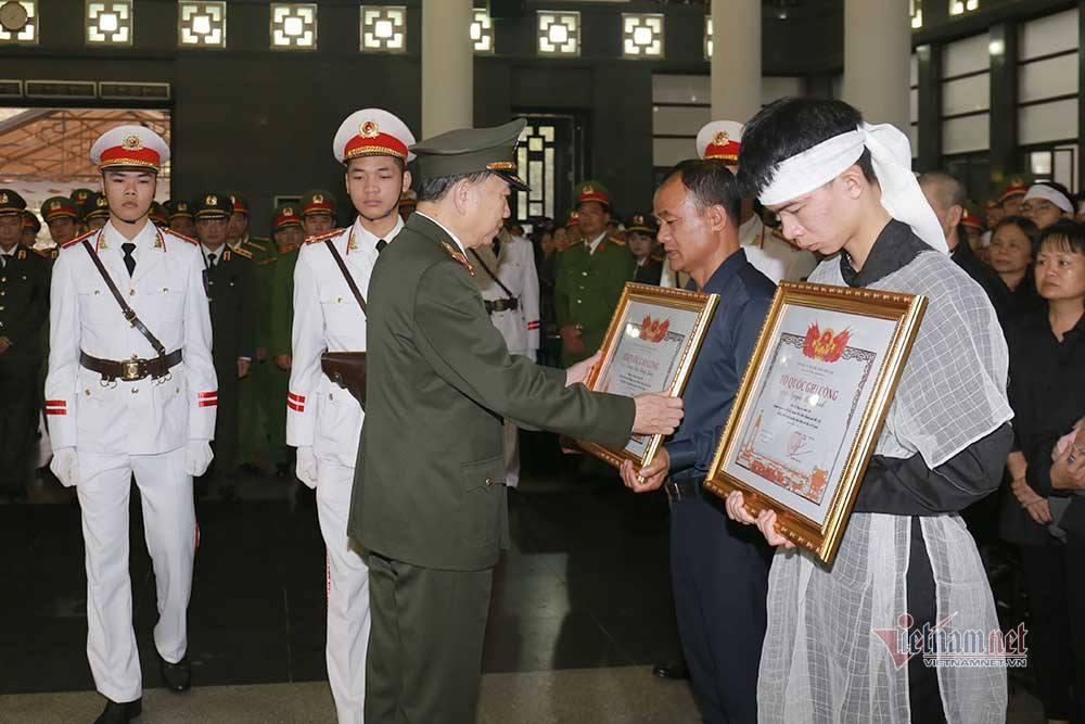 Lời lay động tiễn đưa 3 chiến sĩ hy sinh ở Đồng Tâm-3