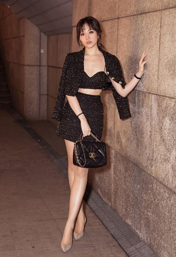 Diện toàn đồ Chanel sang chảnh, Hari Won bị chồng trách vì một phụ kiện 4.000 đồng-2