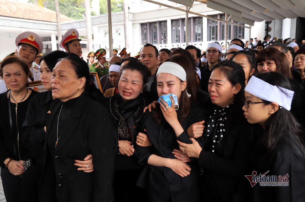 Xót xa dải tang trắng trong lễ tang 3 liệt sĩ hy sinh ở Đồng Tâm-11