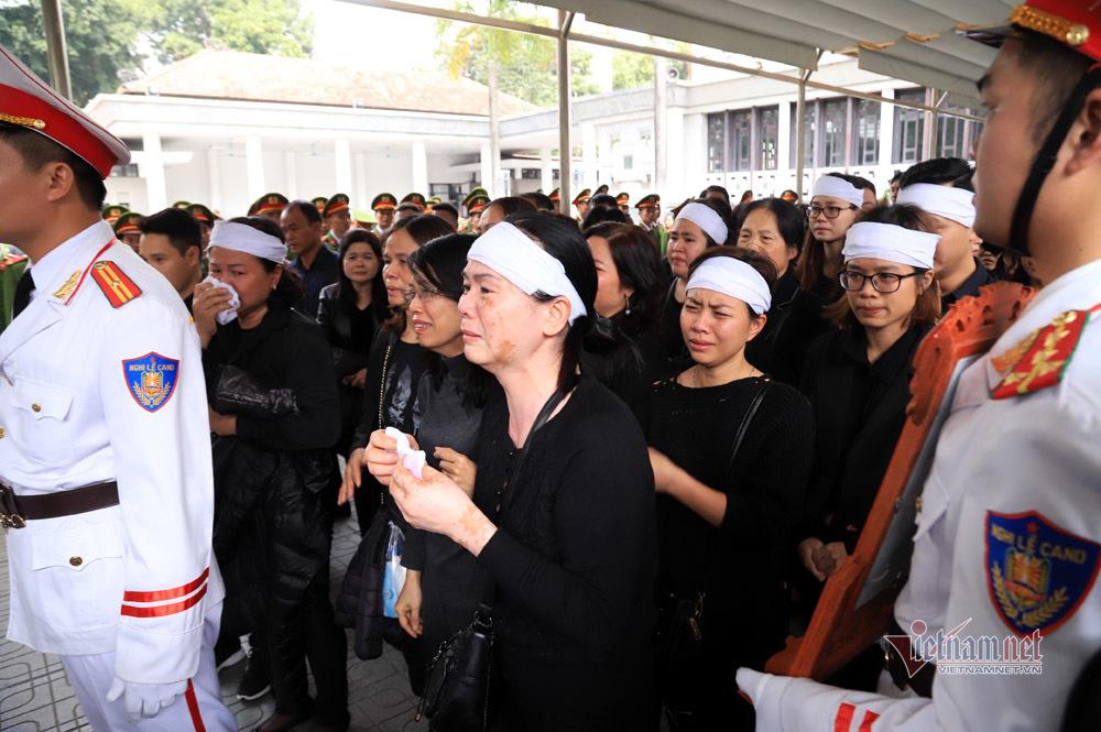 Xót xa dải tang trắng trong lễ tang 3 liệt sĩ hy sinh ở Đồng Tâm-12