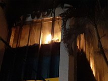 Đang cháy lớn tại tòa nhà dầu khí ở Thanh Hóa, nhiều người mắc kẹt 1 người chết