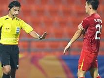 Góc lý giải: Vì sao cầu thủ Triều Tiên để bóng chạm tay trong vòng cấm địa nhưng Việt Nam không được phạt đền?