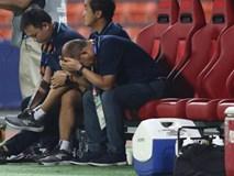 HLV Park Hang-seo gục đầu sau sai lầm của thủ môn Bùi Tiến Dũng