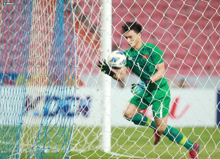 Bùi Tiến Dũng sai lầm chết người, U23 Việt Nam bị loại trong tột cùng tủi hổ-5