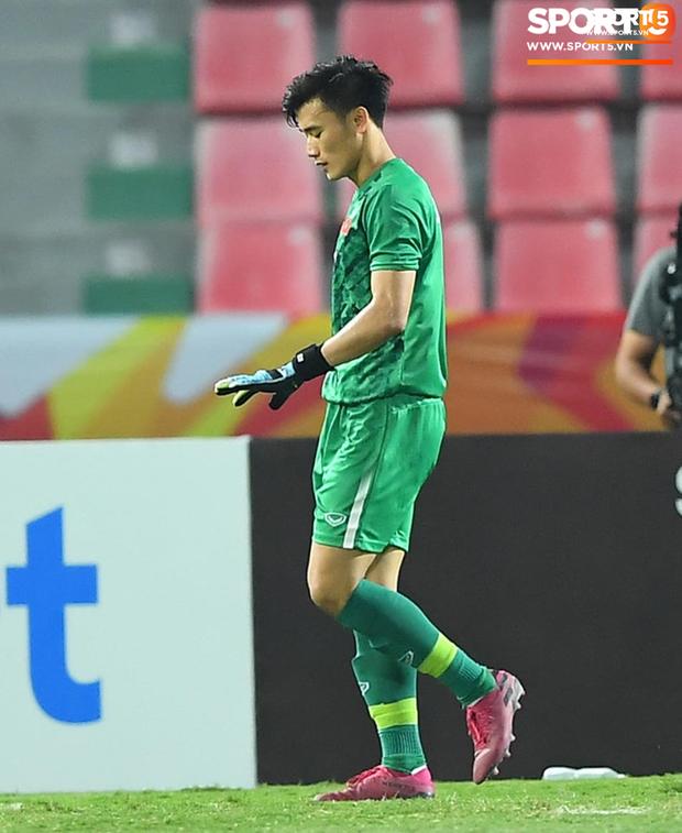 Khoảnh khắc đáng buồn nhất VCK U23 châu Á 2020: Đình Trọng nhận thẻ đỏ, U23 Việt Nam mất hết sau trận đấu với CHDCND Triều Tiến-5