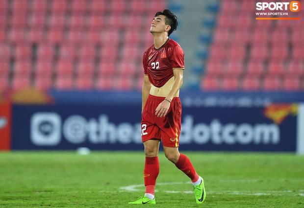 Gửi CĐV Việt Nam: Đã ở bên cầu thủ khi vinh quang, xin đừng bỏ rơi họ khi thất bại!-2
