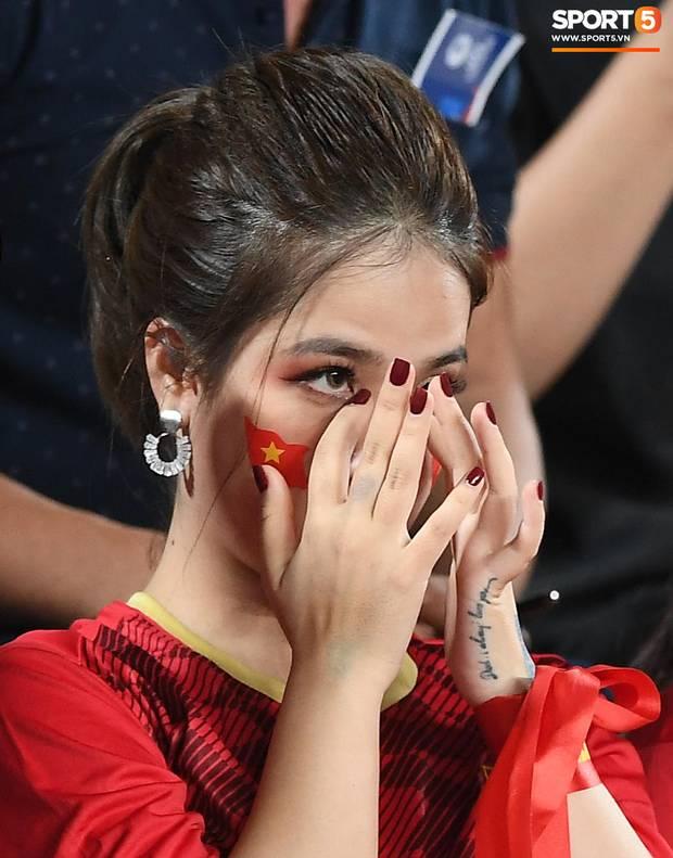 Gửi CĐV Việt Nam: Đã ở bên cầu thủ khi vinh quang, xin đừng bỏ rơi họ khi thất bại!-3