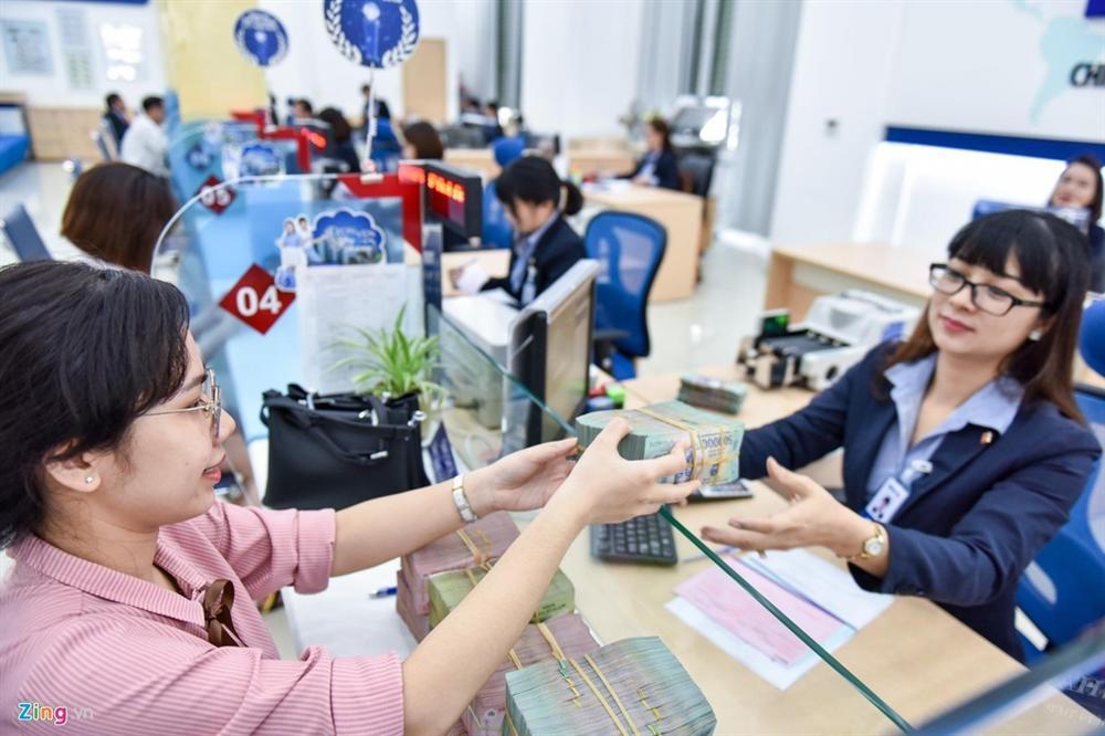 Thưởng Tết 5-7 tháng lương, nhân viên ngân hàng vẫn hụt hẫng-2