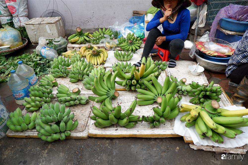 Tiễn ông Táo về trời: Người Hà Nội nhộn nhịp khiến không khí mua sắm tấp nập trên mỗi khu chợ-10