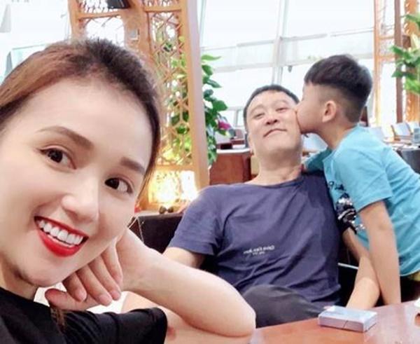 Cả năm cho ông Táo ăn lẩu, mâm cỗ cúng 23 tháng chạp nhà Lã Thanh Huyền gây bất ngờ-1