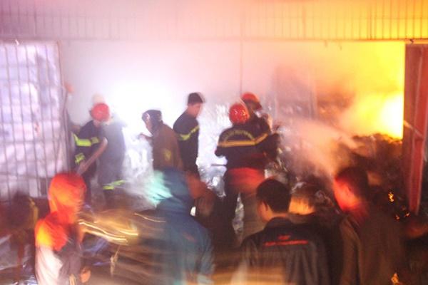 Cháy cửa hàng tạp hóa ngày ông Công ông Táo, thiệt hại tiền tỷ-2