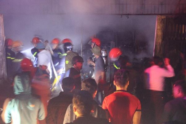 Cháy cửa hàng tạp hóa ngày ông Công ông Táo, thiệt hại tiền tỷ-3
