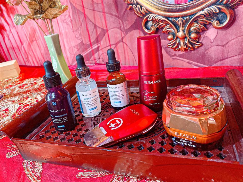 Vợ đại gia Minh Nhựa dưỡng nhan để không bị thất sủng, cả bộ sản phẩm chăm da không món nào dưới 1 triệu-3
