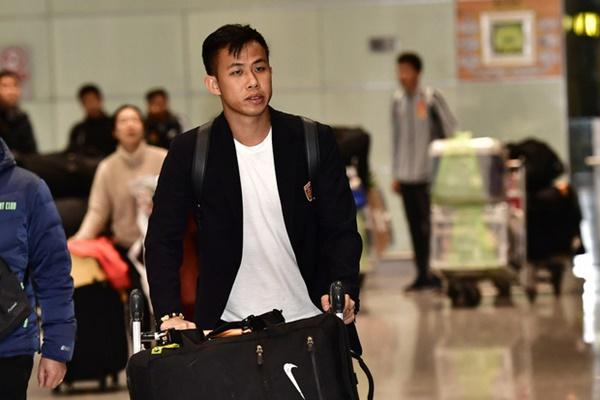 Buồn như đội tuyển U23 Trung Quốc ngày về nước: Đã mệt lả, kiệt sức vì chuyến bay dài lại còn bị các CĐV quay lưng-5