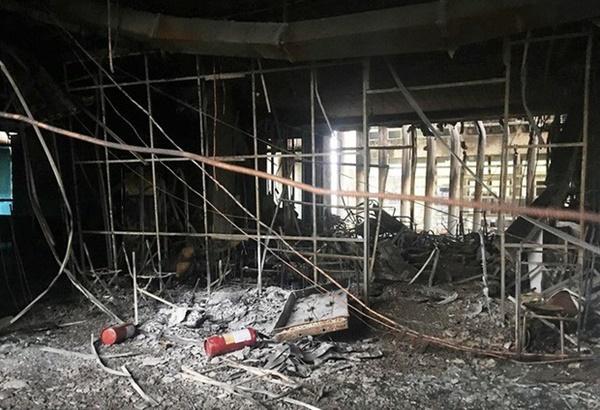 Hiện trường vụ cháy tòa nhà dầu khí Thanh Hóa khiến 2 người chết, 13 người bị thương-10