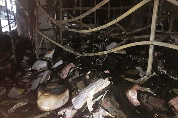 Hiện trường vụ cháy tòa nhà dầu khí Thanh Hóa khiến 2 người chết, 13 người bị thương-11