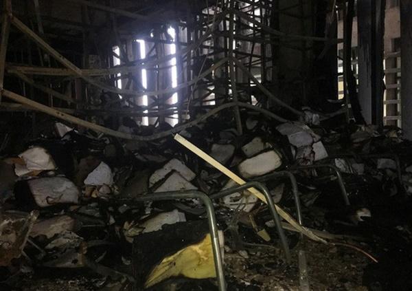Hiện trường vụ cháy tòa nhà dầu khí Thanh Hóa khiến 2 người chết, 13 người bị thương-14