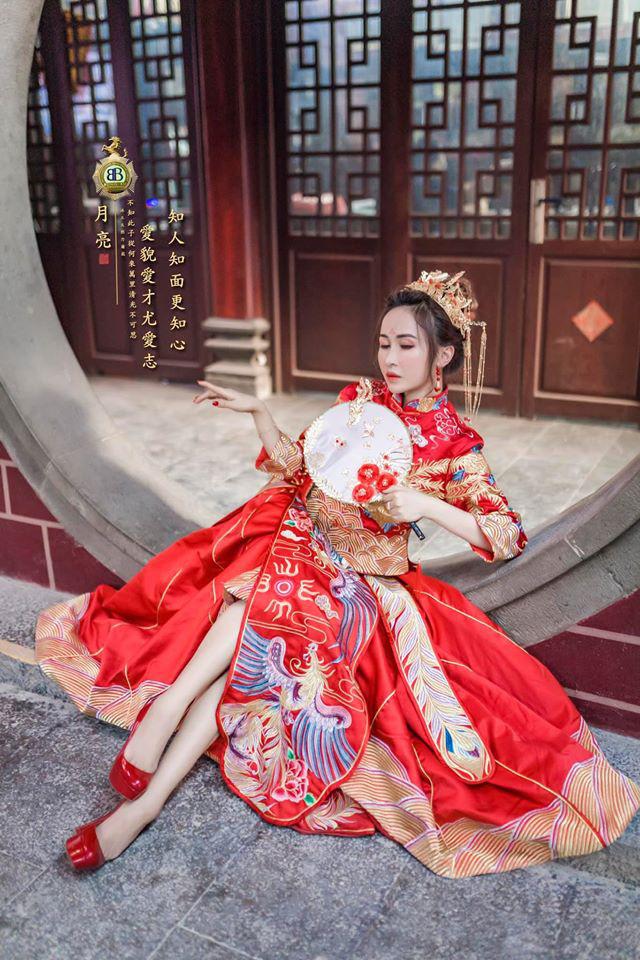 Vợ hai Minh Nhựa khiến dân tình hoảng hồn với bộ ảnh phong cách Trung Hoa: Nhìn cứ tưởng búp bê bị hỏng khuôn đúc chứ!-2