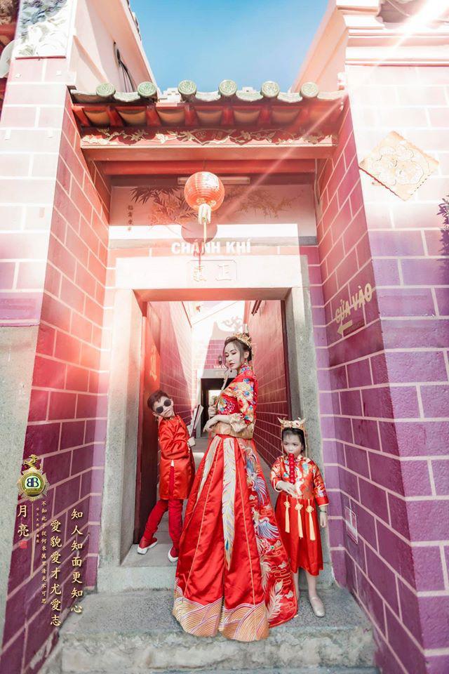 Vợ hai Minh Nhựa khiến dân tình hoảng hồn với bộ ảnh phong cách Trung Hoa: Nhìn cứ tưởng búp bê bị hỏng khuôn đúc chứ!-3