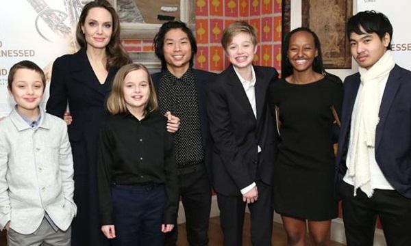 Brad Pitt bị đồn quay lại với vợ cũ, Angelina Jolie tiếp tục nhận nuôi người con thứ 7?-2