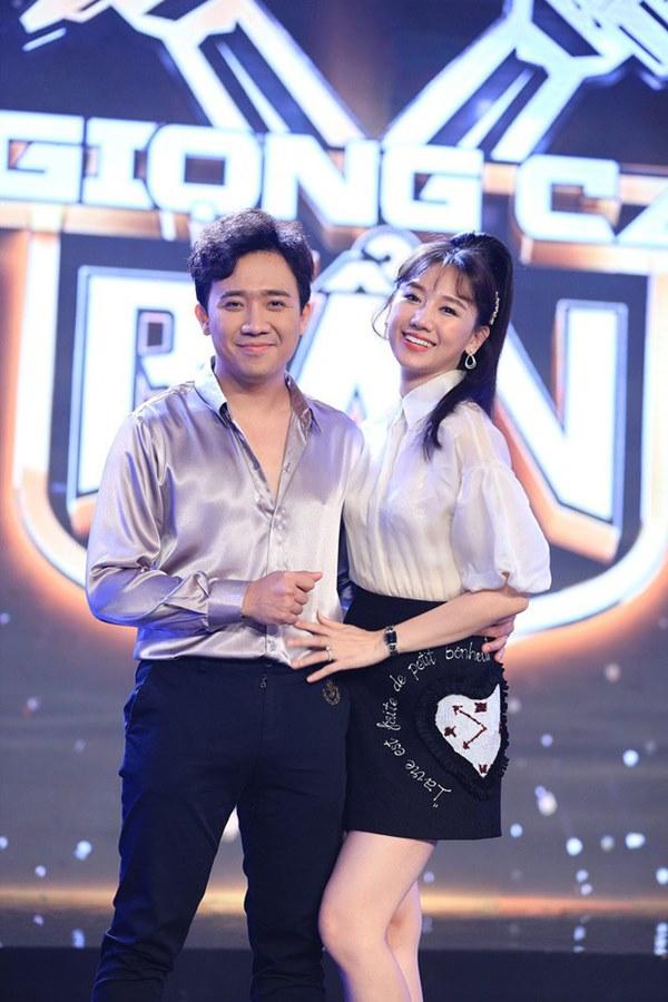 Cái ngược thú vị trong phong cách của hai cặp vợ chồng MC - danh hài hot nhất showbiz Việt từ khi kết hôn đến giờ-6
