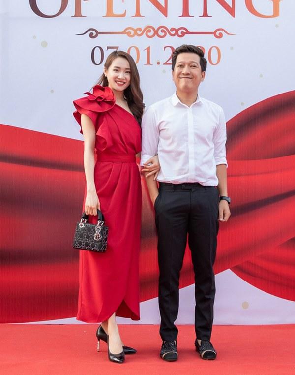 Cái ngược thú vị trong phong cách của hai cặp vợ chồng MC - danh hài hot nhất showbiz Việt từ khi kết hôn đến giờ-12