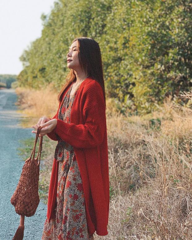 Cùng mê váy họa tiết dáng dài nhưng Thanh Hằng và Hà Tăng vẫn có những cách diện không đụng hàng-3