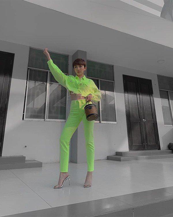 Tóc Tiên đích thị là nàng tắc kè hoa của showbiz Việt, mỗi ngày diện một màu nổi bần bật-14