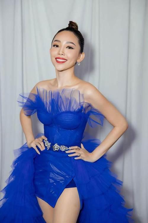Tóc Tiên đích thị là nàng tắc kè hoa của showbiz Việt, mỗi ngày diện một màu nổi bần bật-3
