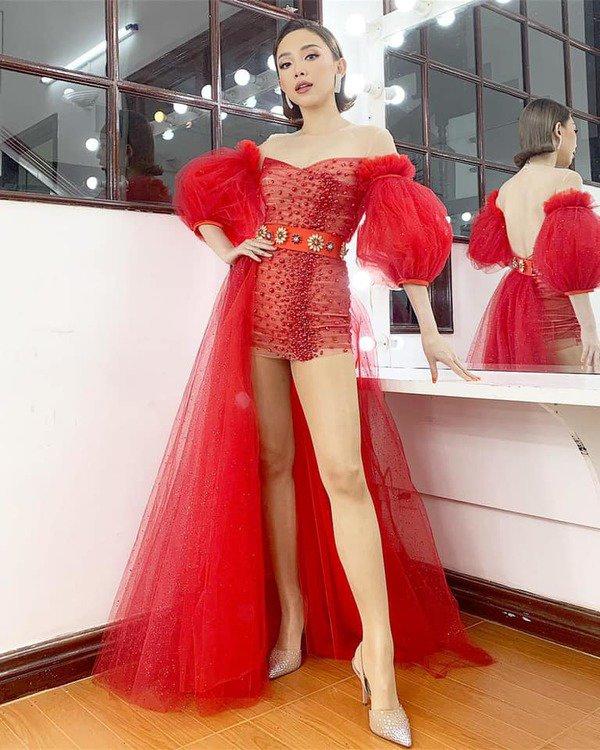Tóc Tiên đích thị là nàng tắc kè hoa của showbiz Việt, mỗi ngày diện một màu nổi bần bật-9