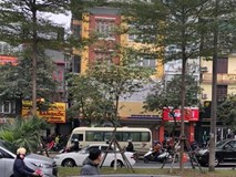 Hà Nội: Hoảng hốt phát hiện người đàn ông tử vong tại vô lăng khi xe đỗ bên đường