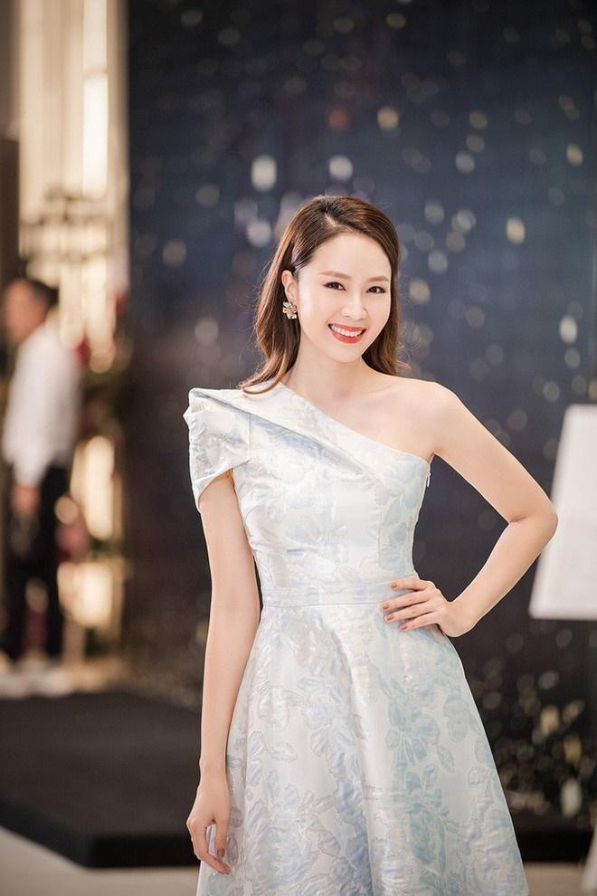 BTV Hoài Anh khoe con gái xinh đẹp, đáng yêu-12