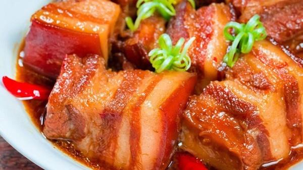 Bác sĩ dinh dưỡng cảnh báo thói quen khi ăn thịt kho tàu ngày Tết dễ gây ngộ độc-2