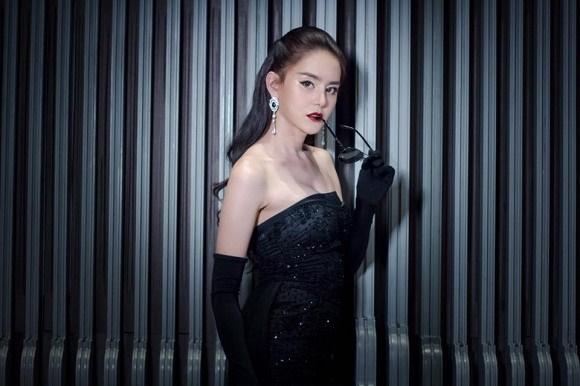 Hoa hậu chuyển giới Thái Lan phẫu thuật thẩm mỹ để trở lại làm nam giới dù bạn đời khó chấp nhận-3