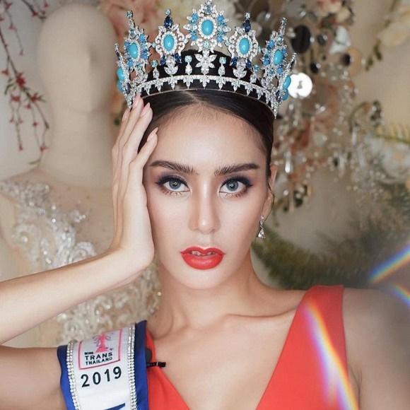 Hoa hậu chuyển giới Thái Lan phẫu thuật thẩm mỹ để trở lại làm nam giới dù bạn đời khó chấp nhận-8