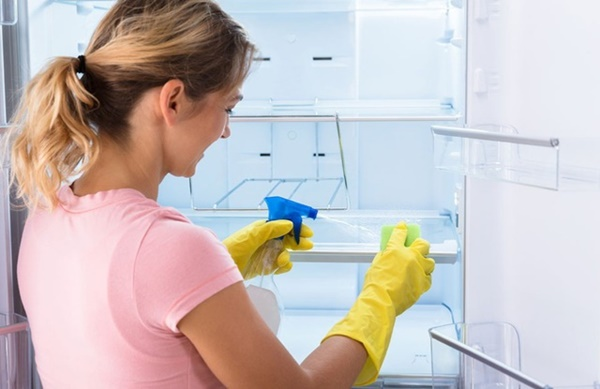 Mách chị em mẹo vệ sinh đúng cách tivi, tủ lạnh và các thiết bị điện để đón Tết-2