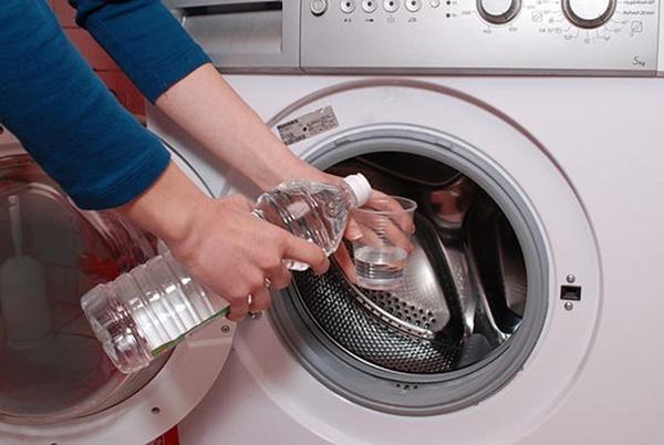 Mách chị em mẹo vệ sinh đúng cách tivi, tủ lạnh và các thiết bị điện để đón Tết-3