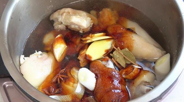 Thử ngay cách làm thịt nấu đông mới toanh cực lạ miệng cho Tết năm nay thôi các mẹ ơi!-2