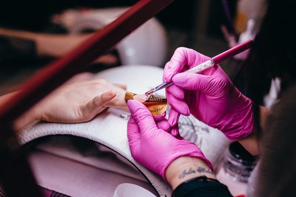 Thợ làm móng tiết lộ 7 điều mà các tiệm không muốn khách hàng biết, chị em có nhu cầu làm đẹp ăn tết cần cẩn trọng nếu không muốn mắc ung thư-1